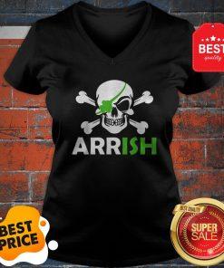 Pretty Irish Pirate Skull And Cross Bones St Patricks Day V-neck