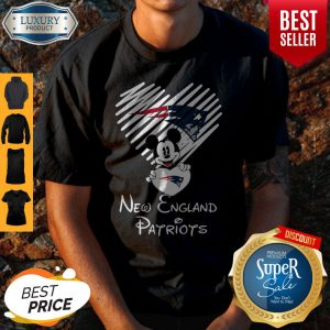 Mickey Mouse Hug Heart New England Patriots Logo Shirt