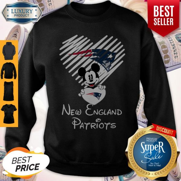 Mickey Mouse Hug Heart New England Patriots Logo Sweatshirt