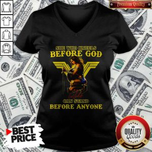 Wonder Woman She Who Kneels Before God Can Stand Before Anyone V-neck