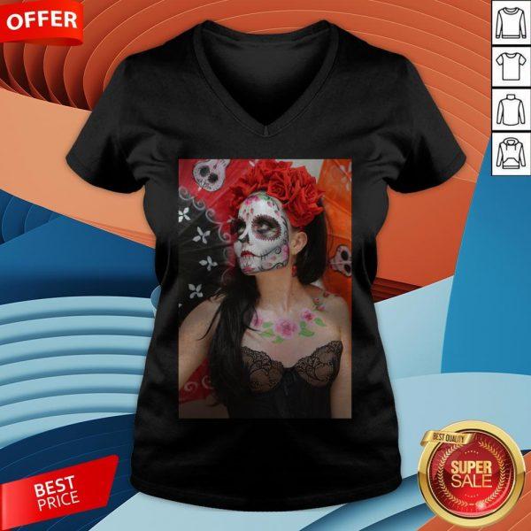 Dios Des Los Muertos- Sugar Skulls Day Of Dead V-neck