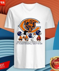 Snoopy And Friends Chicago Bears It's The Most Wondverful Time Of The Year V-neck