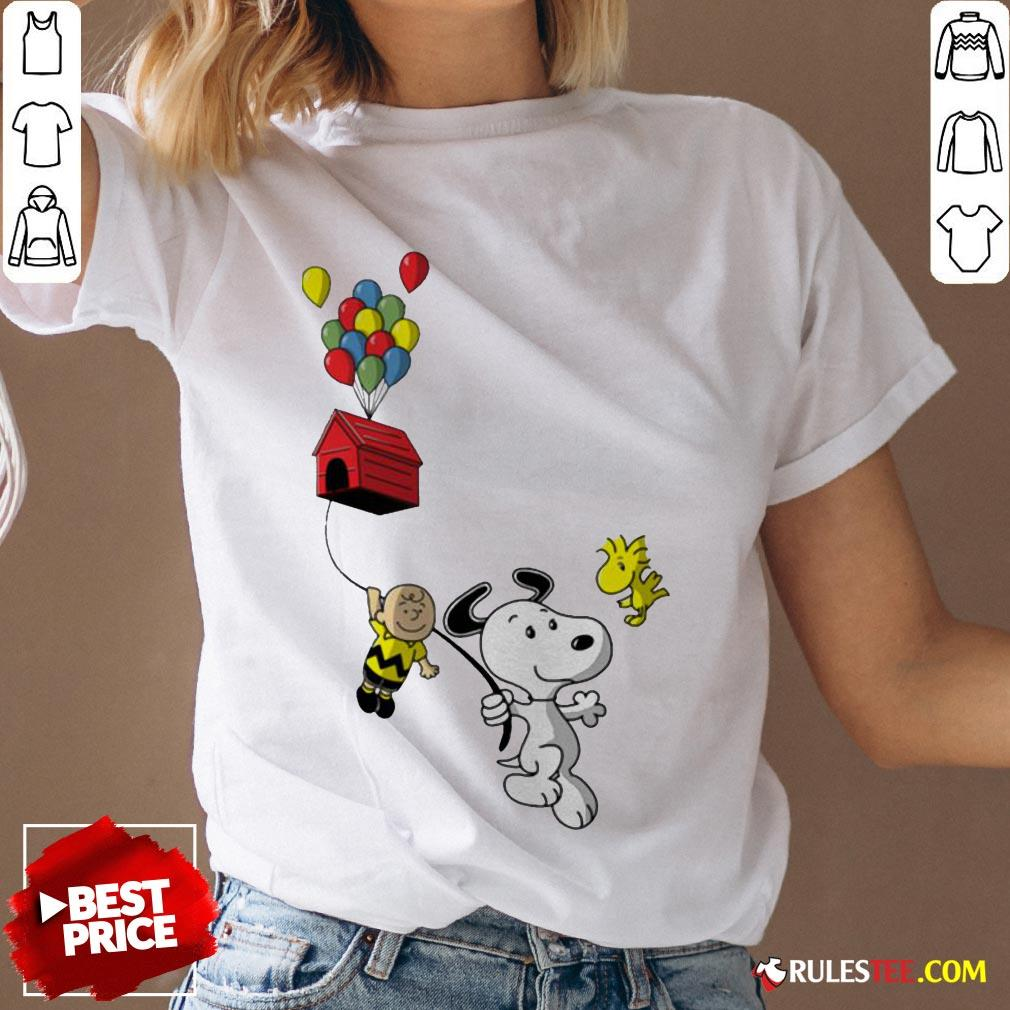 Snoopy And Charlie Brown Woodstock Balloon V-neck - Design By Rulestee.com