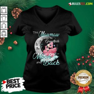 Flamingo This Mawmaw Loves Her Grandkids To The Moon And Back V-neck - Design By Rulestee.com